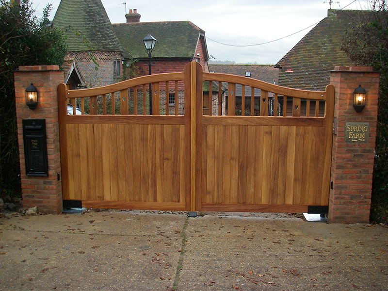 Wooden Driveway Gates Surrey Sussex Kent Amp Hampshire
